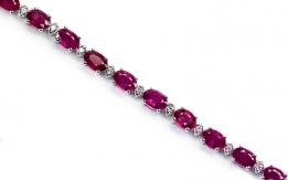 Bracelet with diamonds and rubies